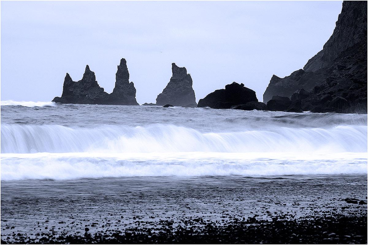 Vík í Mýrdal, Reynisdrangar (IJsland, mei 2016)