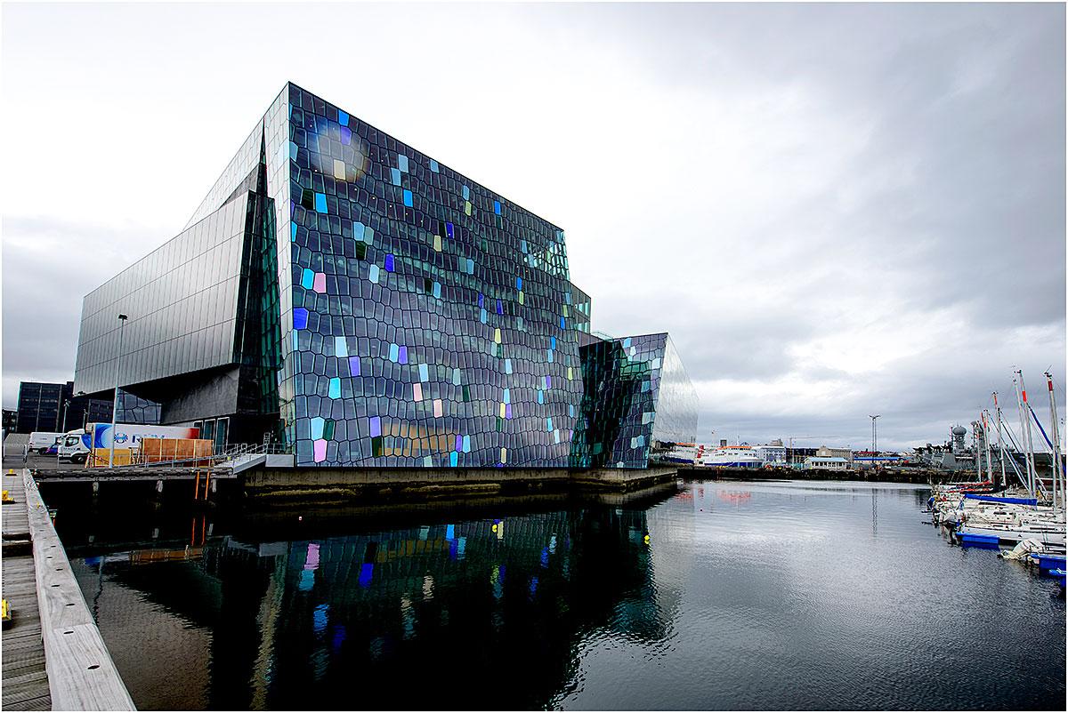 Harpa (Nationale Concert- en Conferentiecentrum), Reykjavik (IJsland, mei 2016)