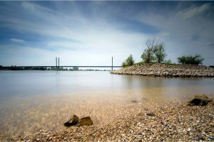 Rheinbrücke, aan de Rijn bij Rees (D) (3-6-2020) Nikon D750; ISO: 100; 20sec.; f/11; 17 mm. [JU0_1075]