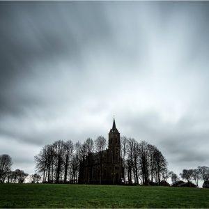 """""""Kirche in der Mitte"""" Louisendorf (D)"""